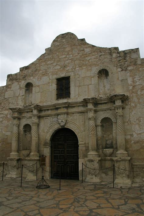 is there a basement in the alamo panoramio photo of alamo mission san antonio