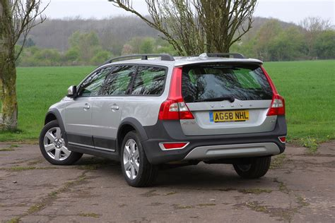 2007 volvo xc70 review volvo xc70 estate review 2007 2016 parkers