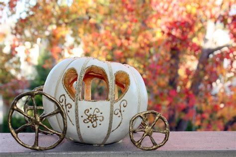 iDo It Myself: DIY Cinderella Pumpkin Carriage Centerpiece