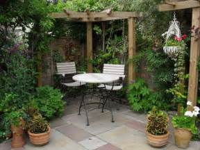 Small Courtyard Garden Design Ideas Elegance Small Courtyard Gardens Design Corner Pergola Outdoor Gardening Pinterest