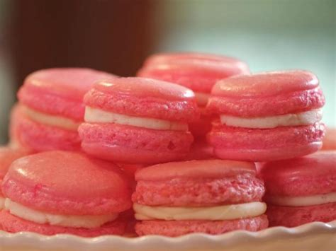 Sweet Macaroon Pink pink velvet macaroons with cheese filling recipe