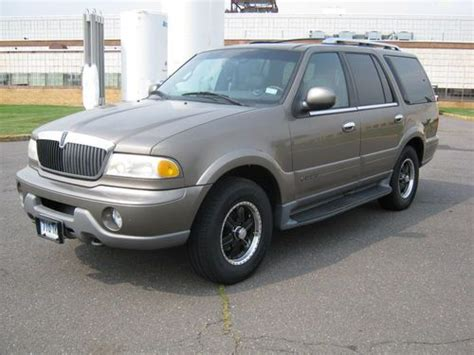 auto air conditioning repair 2001 lincoln navigator parental controls find used 2001 lincoln navigator 5 4l v8 4wd 4 door tan on tan in west hartford connecticut