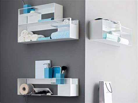 étagère 5 tablettes idee deco salle de bain travertin