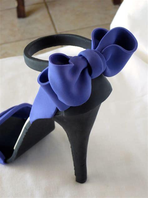 fondant high heel shoe christian louboutin