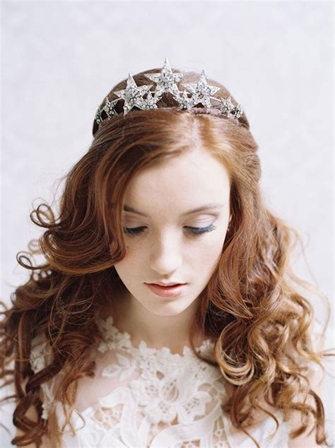 here comes the bride and her amazing hat comb flowers or tiara topweddingsites com