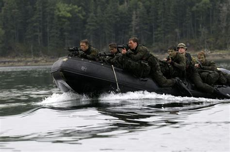 inflatable boats nova scotia soldiers on the patrol pathfinder course approach a
