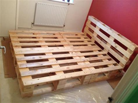 bed frame out of pallets recycled pallet bed frame projects recycled things