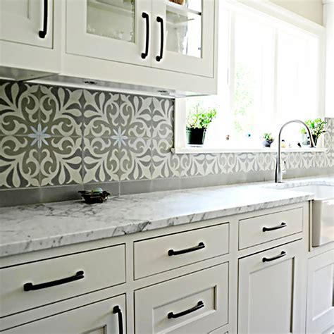 spanish tile kitchen backsplash mexican tiles mexican tiles and talavera murals for