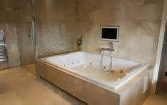 riesige badewanne 1000 ideas about big bathtub on bathtubs