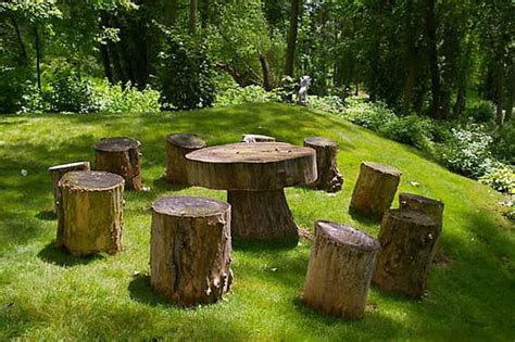 The Garden Table by 10 Amazing Tree Stump Ideas For The Garden Balcony