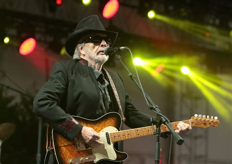 country music 2015 list merle haggard doesn t like country music anymore newscut