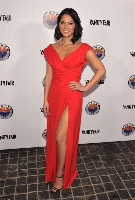 Vanity In Latin Olivia Munn Red Dress At Vanity Fair Golden Globe Event