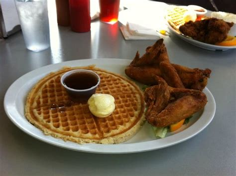 chicken wings and waffles 窶ェhome of chicken and