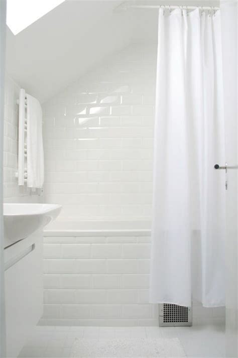 angled shower curtain 25 best ideas about sloped ceiling on pinterest sloped