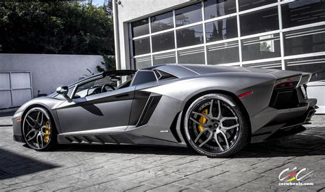 Novitec Torado Aventador with Custom CEC Wheels