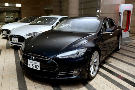 Tesla Motors Biography Tesla Motors Releases New Software Suite For Model S Wsj