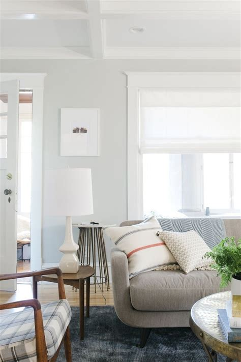 light colored living rooms best 25 light grey walls ideas on grey walls interior paint and decorating with