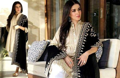 Pashmina Velvetpashmina Satinkerudungjilbabmurah velvet shawls the luxurious trend for winter desiblitz
