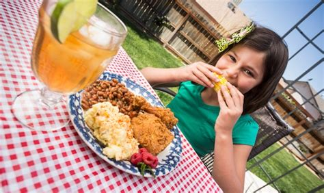 top 10 gluten free foods for a picnic or summer party