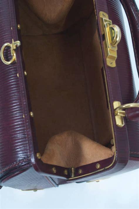 Fashion Bag 209 roberta di camerino handbag with gold hardware for sale at 1stdibs