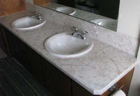 Laminate Countertop Joints by Sandenwood
