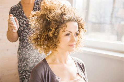 best curly hair cuts nyc find the best curly hair salons in nyc