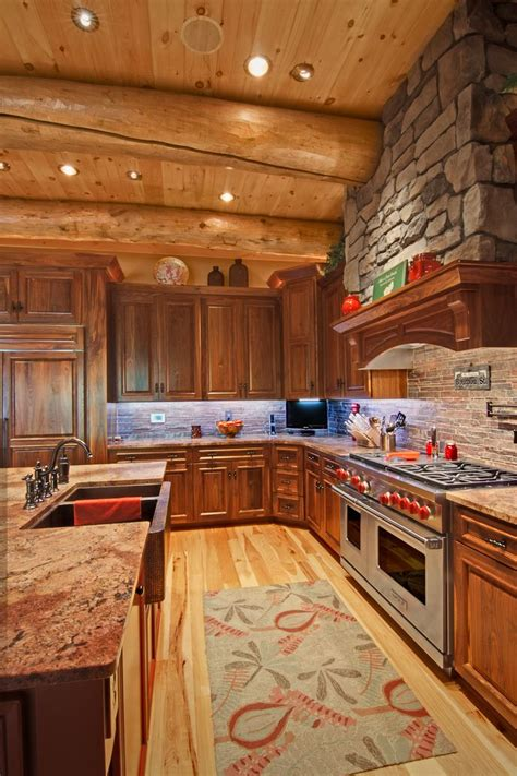 cabin kitchen cabinets best 25 log house kitchen ideas on pinterest log cabin