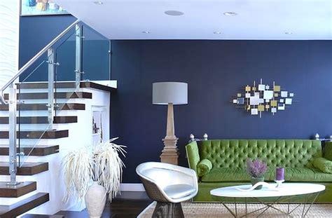 inspirasi  kombinasi warna cat tembok biru dongker