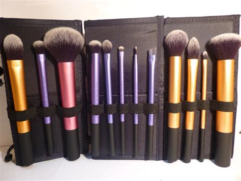 beauty review real techniques make up brushes the red style real techniques brush pick set travel essentials core