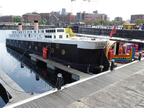 houseboats liverpool overlooked by office ships picture of albert dock