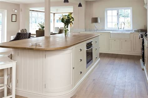 curved kitchen islands 1000 ideas about curved kitchen island on pinterest