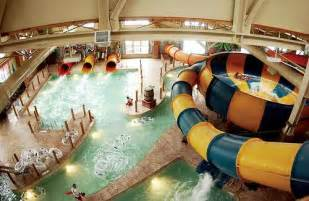 grand opening of great wolf lodge indoor water park