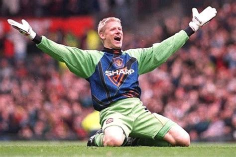 who is the best premier league goalkeeper soccer betting top 11 goalkeepers in premier league history european