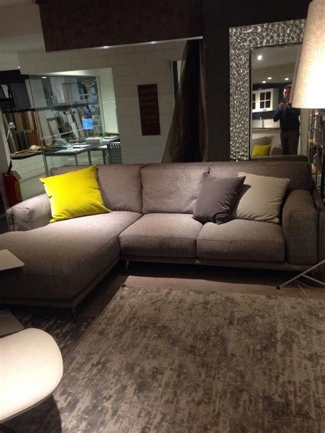 divani con chaise longue prezzi divano ditre italia modello kris con chaise longue