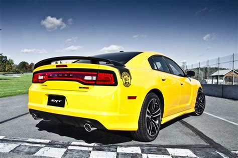 2012 dodge charger colors dodge 2012 dodge charger srt8 bee pic