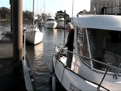 what is recommended when docking your boat temporary personal mooring setting the boat retrieval