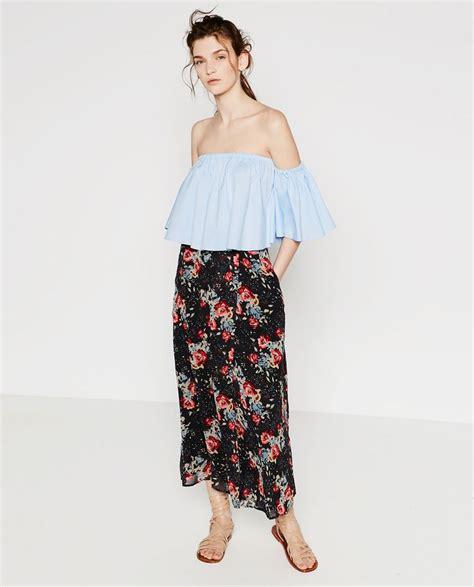 Zara Emboss Skirt image 1 of printed skirt from zara 2016 summer giovanna battaglia
