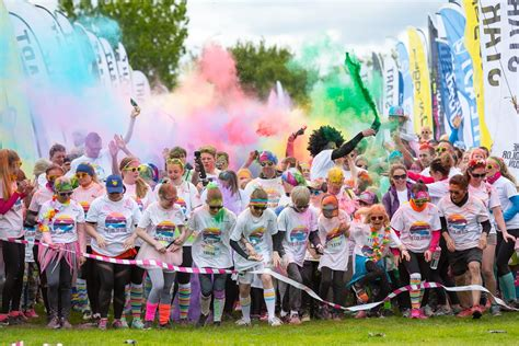 color run pictures pictures the color run iceland 2017 the reykjavik grapevine