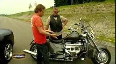 Boss Hoss Motorrad Treffen 2016 by Dodge Viper Srt 10 Vs Boss Hoss Aus Grip Das Motormagazin