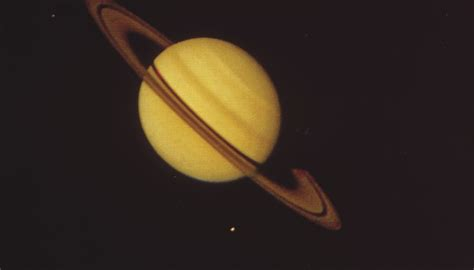 what gases make up saturn how does saturn s atmosphere compare to earth s sciencing