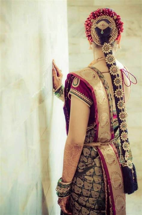 Karnataka Wedding Hairstyles by Pelli Poola Southindian Bridal Hairstyles With Flowers