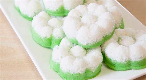 membuat kue putu ayu 4 resep kue putu ayu warna warni yang lembut dan pas di lidah