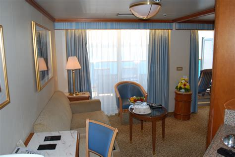 Carnival Triumph Ocean Suite Floor Plan stateroom and cabin pictures shipcabins com
