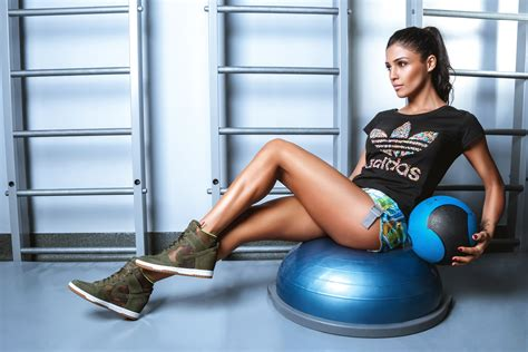 wallpaper girl fitness fitness wallpapers pictures images