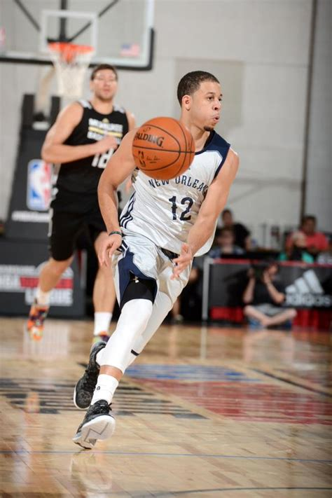 seth curry basketball shoes seth curry goes scores 19 of his 30 points in the