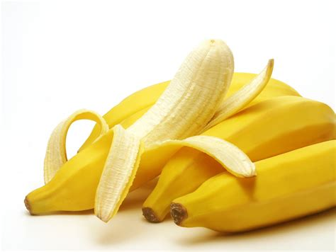 is it bad to eat a banana before bed why should you eat a banana before workout new health