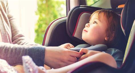 location siege enfant louer une voiture avec un si 232 ge auto chez rent a car r 233 union