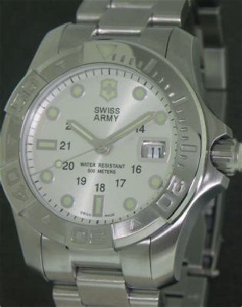 Swiss Army Date Silver Sepasang dive master 500 meter silver 241039 victorinox swiss army dive master wrist