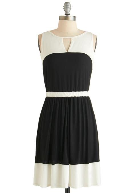 Sy1glsab74 Simple Casual Black White Dress Size S Size M Size L plane and simple dress mod retro vintage dresses modcloth