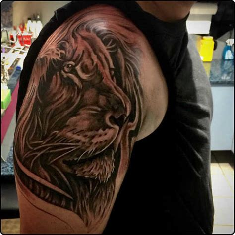 does a tattoo on top of your shoulder hurt 113 best shoulder tattoos for men women